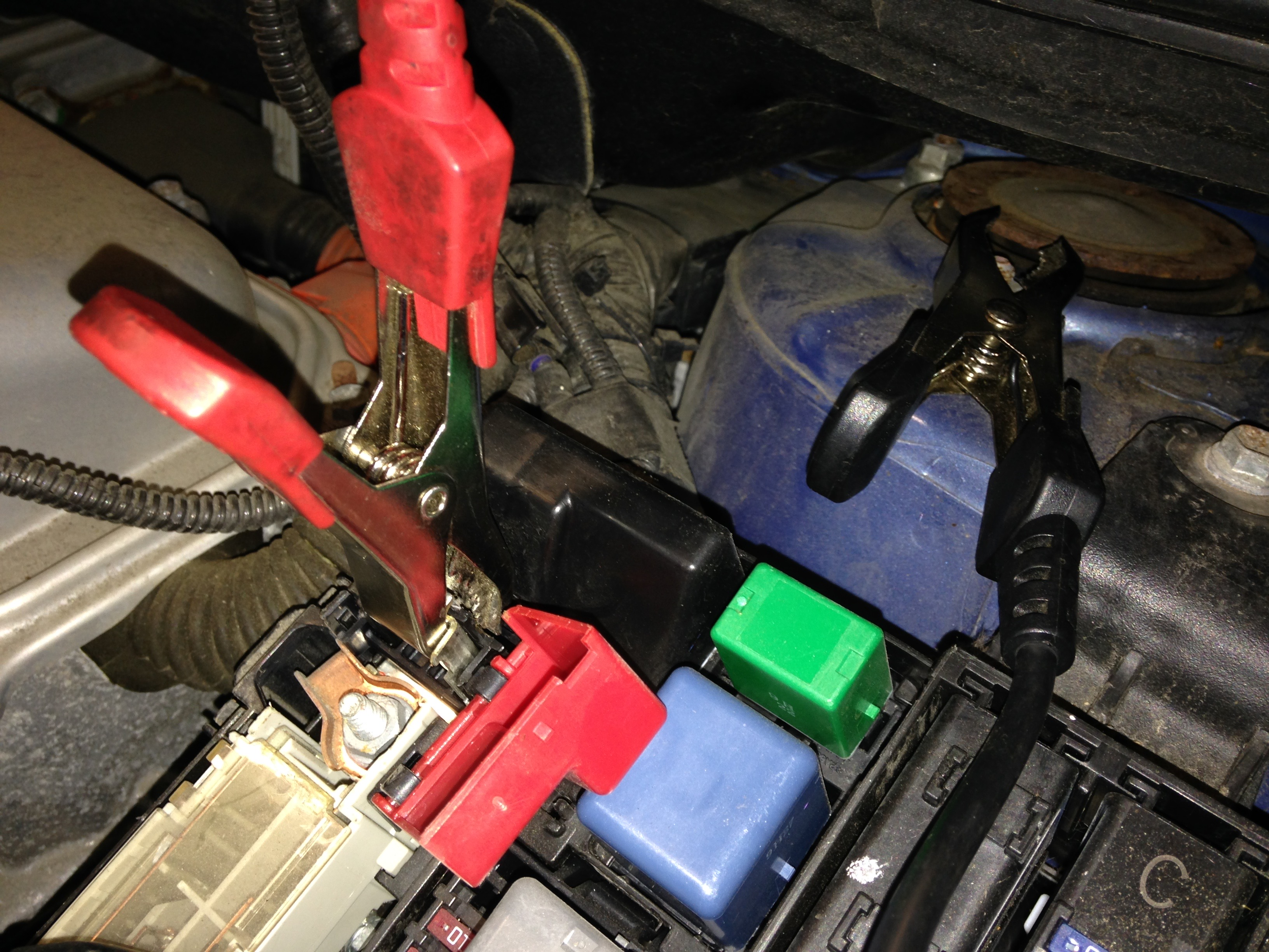Prius battery cables hooked up. (Terminals are in the front for the 12V starter battery in the back.)
